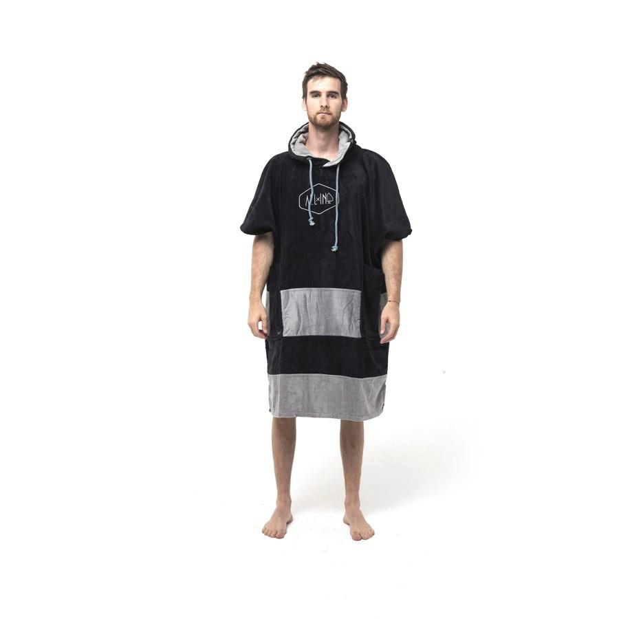Poncho V All In black silver